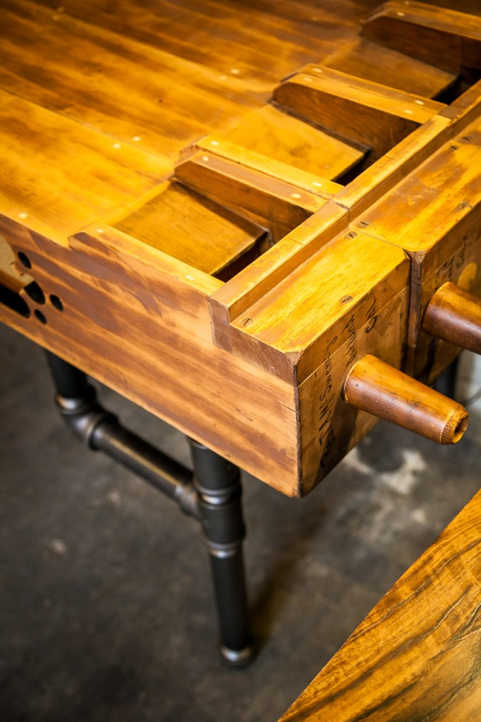 Details of Organ Pipe Desk