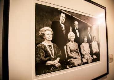 President Bush Family Photo by David Hume Kennerly