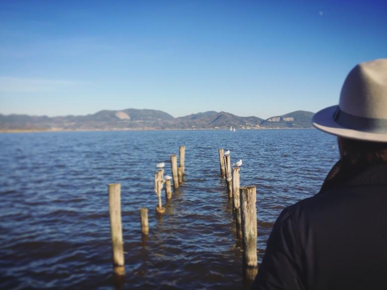 Paolo at the shores of Lago di Massaciuccoli