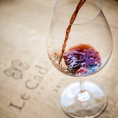 Wine Photography Tip 2 Pour Slowly