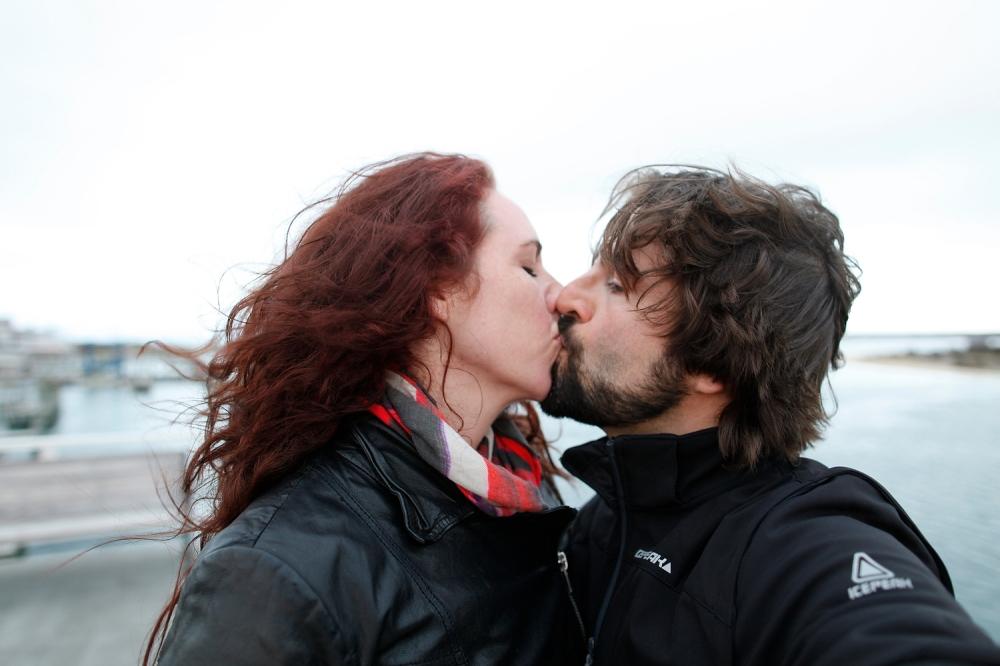 Kissing in Martha's Vineyard
