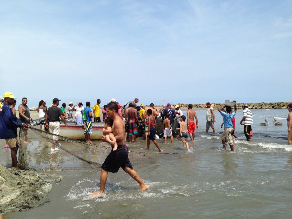 Community Fishing in Cartagena