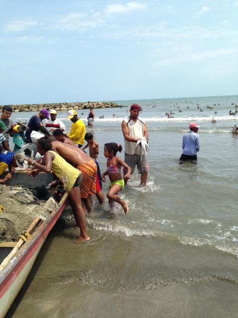 Community Fishing in Cartagena