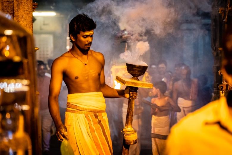 Travel India Brihadisvara Temple Puja