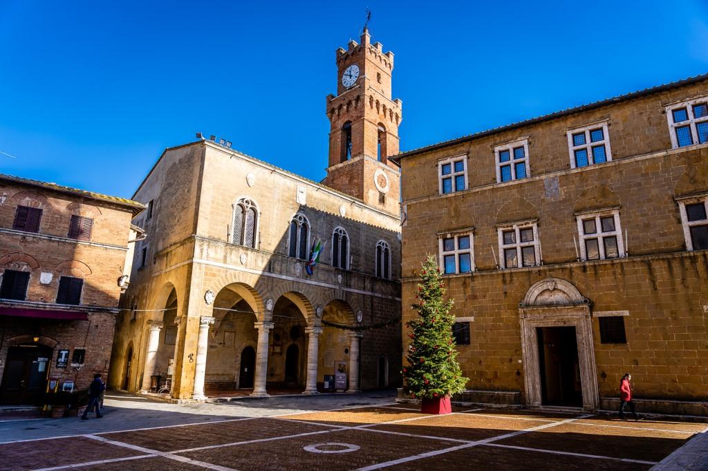 Pienza Italy Photos Piazza Pio II