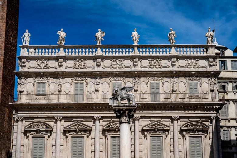 Piazza delle Erbe Colonna di San Marco