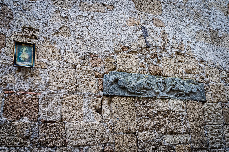 Italy Pic of the Day Pitigliano Tufa Rock