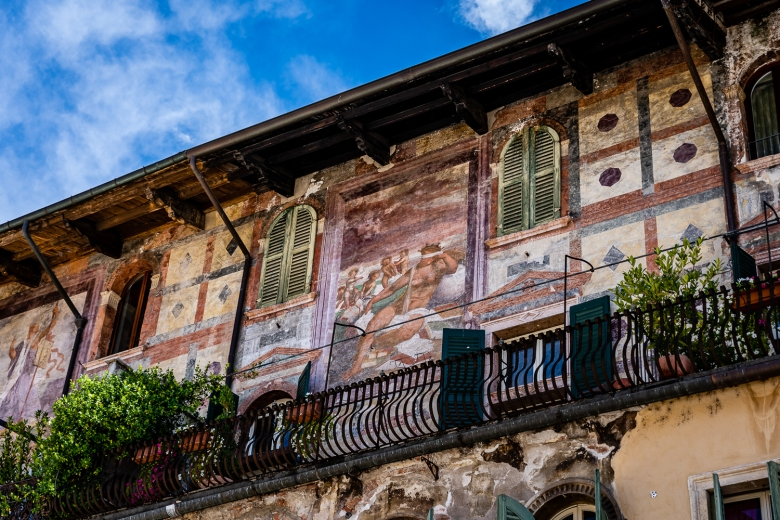 Italy Pic of the Day Verona Frescos in Pizza delle Erbe