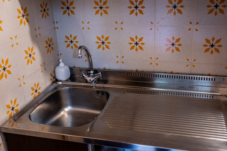 Italian Homes vs American Homes Kitchen Sink
